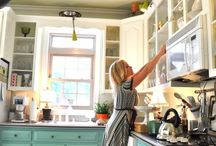 Decor: Kitchens / by Christy Meyer