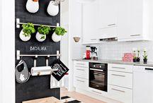 Kitchen / by Kath Simard