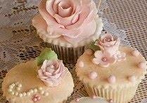 Cupcakes / by Susan Freeman