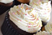 Cupcakes / by Lynn Guiffre