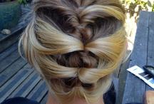 BRIDAL HAIR / #DIY Bridal Hair #BRIDAL HAIR #wedding hairstyle #Bridal hair accessories #bridal hairstyles #bridal updos / by Sea Yuan