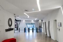 LOBBY -ENTRADAS   / Lobby hotel- house-office  y puertas y ventanas  / by Andreu Disseny