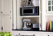 Kitchens / by Kathy Lambert