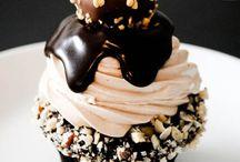 #Cakes&&otherGoodies / by Yarizel Garza