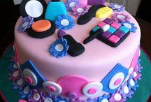Cakes / by Jodi Bradley