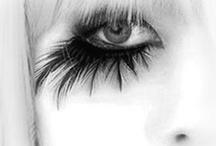 Inspiring Makeup / by Stefani Johnson Sume