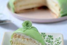 Cakes / by Victoria Villavicencio