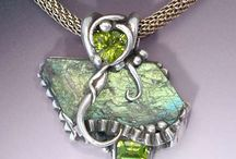 Art Jewelry/Pendants and Necklaces / by Bonnie Blue
