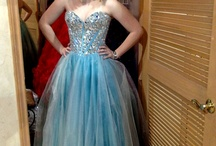 V E R Y Pretty Prom Dresses :) / by Sara Updegraff