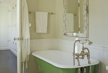 Bathrooms / by Valerie Jensen