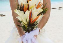 Bouquets ideas / by Rocio Huapaya  Wedding & Special Events Planners