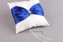 Wedding Ring Pillows / by Artwedding.com