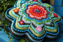 Crochet - Blankets and Pillows / by Trisha Desjardins