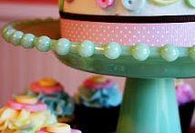 Cake Decorating! / by Comeka Earl