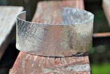 DIY Jewelry / by Robin Ballard