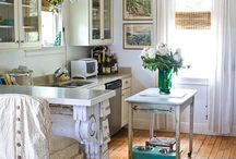 Cottage, Country & Retro Kitchens / by Nancy Lorene