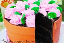 cakes / by Nancy Marcado