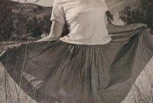 Marilyn Monroe / Fotos de la Diva Marilyn Monroe ¿Conoces alguna imagen más de Marilyn Monroe que podamos añadir? El Lujo siempre estuvo en sintonía con Marilyn Monroe / by LUXE INMO Alejandro
