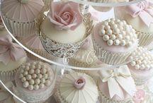 Wedding Cakes / by InvitesWeddings