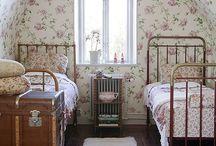 Bedrooms / by Lena Siq