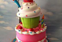 Cake decorating / by Anna DeWitt