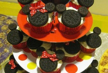 cupcakes / by Sherry Stawnychy