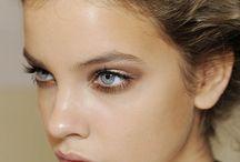 A pretty face-Makeup / by Tessa Ryan