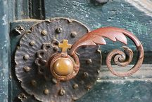 Door Hardware / by Theda Weatherly