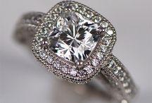 diamonds are a girls best friend <3 / by Viviana Mendez