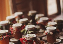 Home canning/love canning / by sheryl stow