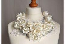 Engagement & Weddings / by Vivienne Vrolijk