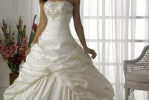 Wedding & Bridesmaid Dresses / by Brandi Sholar
