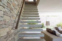 Escadas / by Gabriela Saft Capaverde