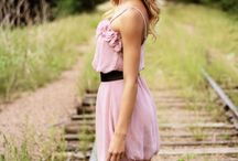 Senior picture ideas! / by Mallory Grumbling