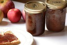 Crockpot Recipes / by Kayla Leggett Herrera
