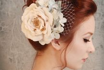 Hair accesories, bouquets and belts / by Bárbara Durán
