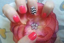 fun nails / by Lisa Goe