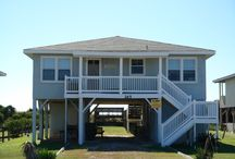Holden Beach Homes / by Jeffry Boutet
