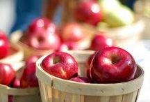 Apple Recipes / by Vanessa Bennink