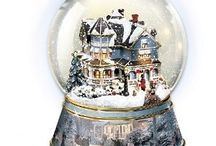Snowglobes ♡ / by Sylvia Koolen