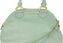 Mint green obsession / by Marissa Benchea