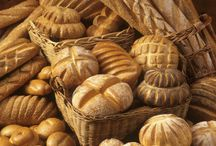 FOOD: BREADS / by Terri Strong Dufrene