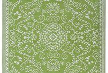 Green Floor Rugs / by Lesley Stevens