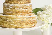 CAKES & COOKIES / by Mônica Bergamo