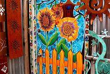 Door to Door / by Toni Tennant