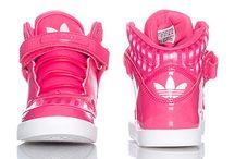 Think Pink / by Linda Noel