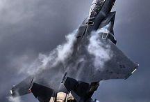 Airplanes / by Manuel Dumlao