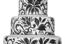 Pretty Wedding Cakes / by Lori Karmel