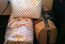 Bagsss<3 / by Patricia Escobar