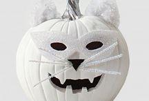 Halloween- ghosts & gobblins / by Tammy Kreps-Logan